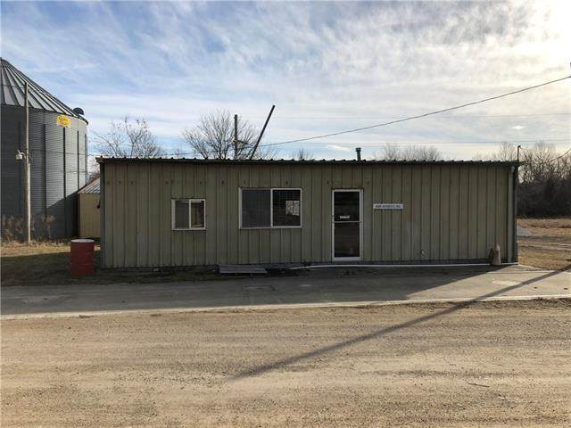 4557 W 1300 Lane, Centerville, KS 66014 (#2301560) :: House of Couse Group