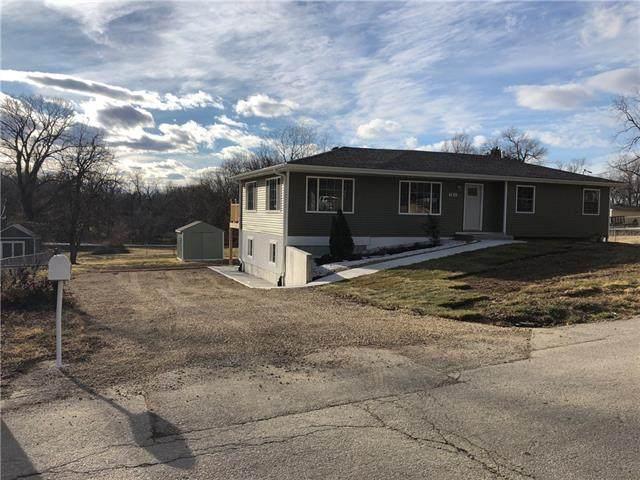 7811 Stover Lane, Kansas City, KS 66109 (#2301634) :: House of Couse Group