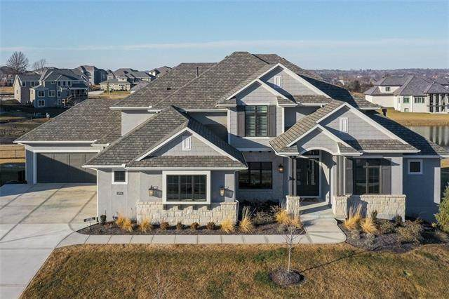 10706 W 173rd Terrace, Overland Park, KS 66221 (#2301749) :: Team Real Estate