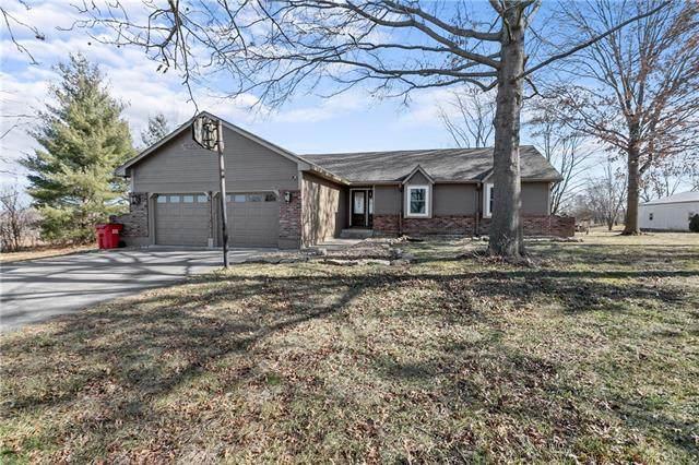 6019 S Buckner Tarsney Road, Grain Valley, MO 64075 (#2301752) :: Dani Beyer Real Estate