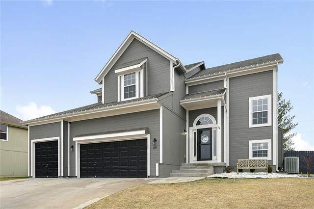 1281 SW Nagona Lane, Lee's Summit, MO 64082 (#2301763) :: Team Real Estate