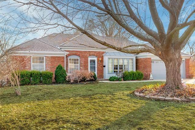 8711 W 104th Street, Overland Park, KS 66212 (#2301839) :: Team Real Estate