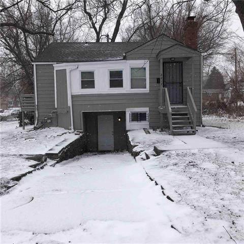 2217 E 72nd Street, Kansas City, MO 64132 (#2301898) :: House of Couse Group