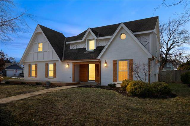 14429 S Chalet Drive, Olathe, KS 66062 (#2301981) :: The Shannon Lyon Group - ReeceNichols
