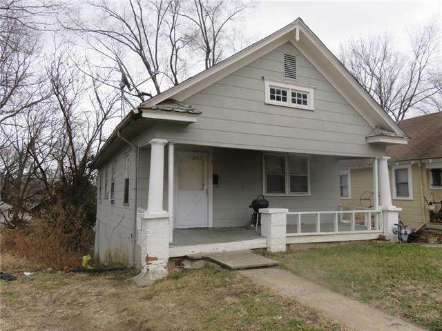 2533 Cypress Avenue, Kansas City, MO 64127 (#2302161) :: Edie Waters Network