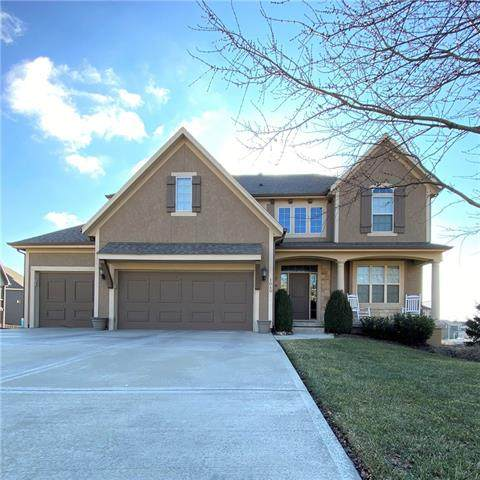 1040 SW Argyl Circle, Lee's Summit, MO 64081 (#2302198) :: Audra Heller and Associates
