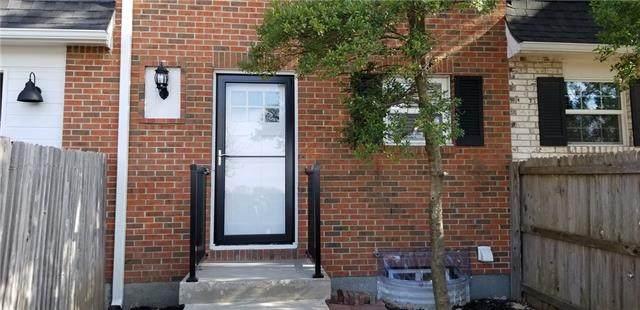 8329 Antioch Road, Overland Park, KS 66212 (#2302203) :: Dani Beyer Real Estate
