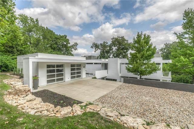 20602 Crickett Lane, Lenexa, KS 66220 (#2302220) :: Team Real Estate
