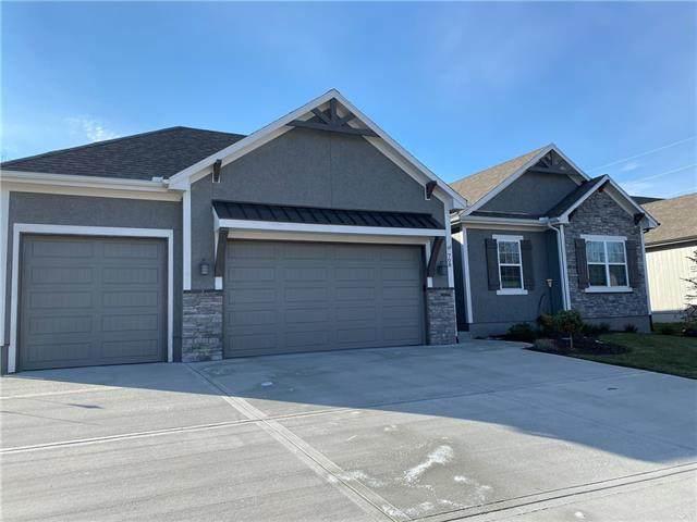 708 SE Sparrow Court, Blue Springs, MO 64014 (#2302224) :: Team Real Estate