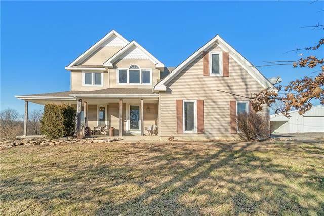 15376 Loring Road, Bonner Springs, KS 66012 (#2302226) :: Team Real Estate