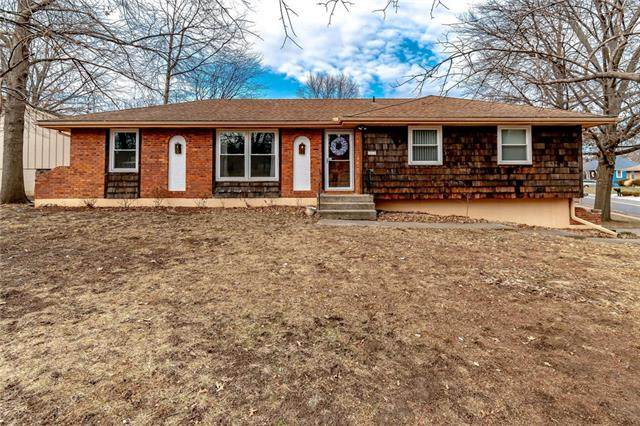 16430 E 28th Terrace, Independence, MO 64055 (#2302233) :: Dani Beyer Real Estate