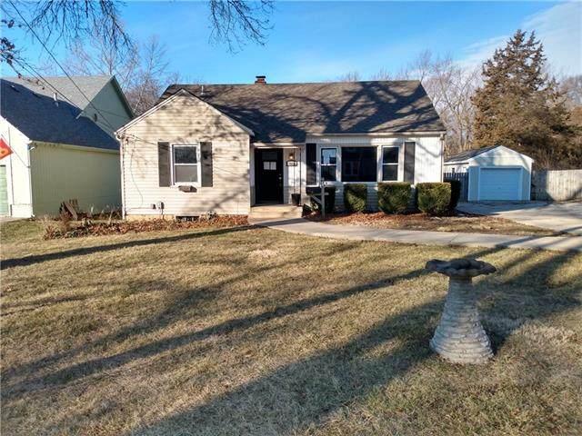 7634 Eby Avenue, Overland Park, KS 66204 (#2302238) :: Team Real Estate