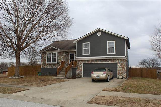 505 N Harding Street, Oak Grove, MO 64075 (#2302245) :: Dani Beyer Real Estate