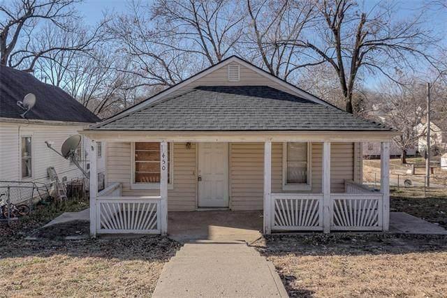 450 N White Avenue, Kansas City, MO 64123 (#2302304) :: Ask Cathy Marketing Group, LLC