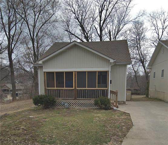 2537 Elmwood Avenue, Kansas City, MO 64127 (#2302430) :: Edie Waters Network