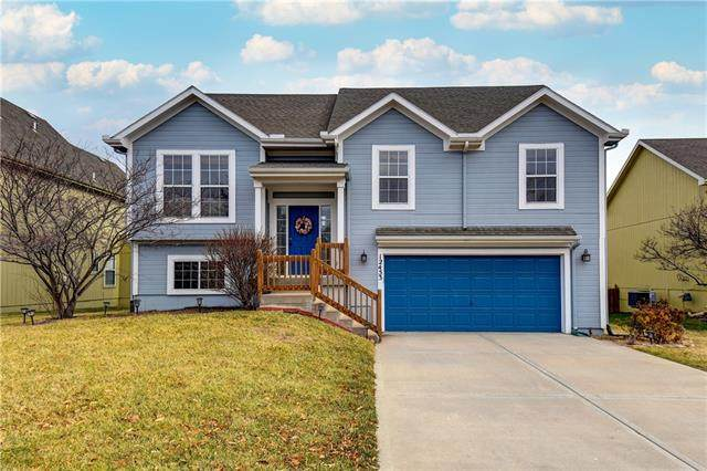 12453 S Quail Ridge Drive, Olathe, KS 66061 (#2302502) :: Team Real Estate