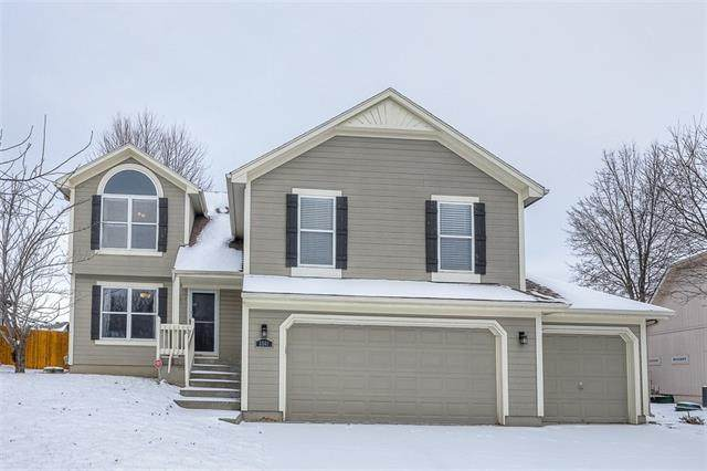 3501 NW Nautical Court, Blue Springs, MO 64015 (#2302634) :: Edie Waters Network