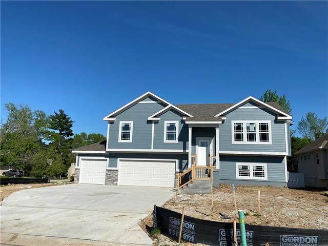 8815 W Longview Parkway, Kansas City, MO 64138 (#2302775) :: Eric Craig Real Estate Team