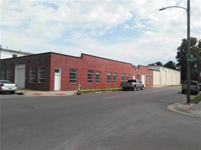 902 Lafayette Street, St Joseph, MO 64501 (#2302791) :: The Rucker Group