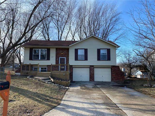 602 Zay Drive, Excelsior Springs, MO 64024 (#2302837) :: Ask Cathy Marketing Group, LLC