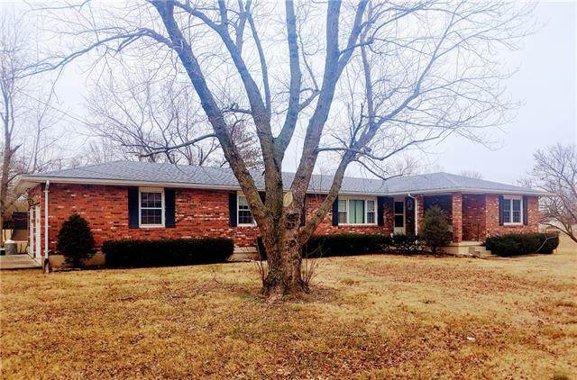 401 S Belisle Street, El Dorado Springs, MO 64744 (#2302861) :: Team Real Estate