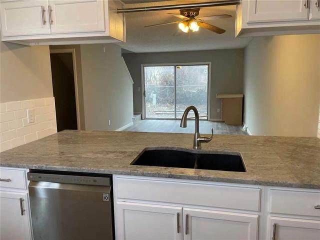 11515 Richmond Avenue, Kansas City, MO 64134 (#2302876) :: Team Real Estate