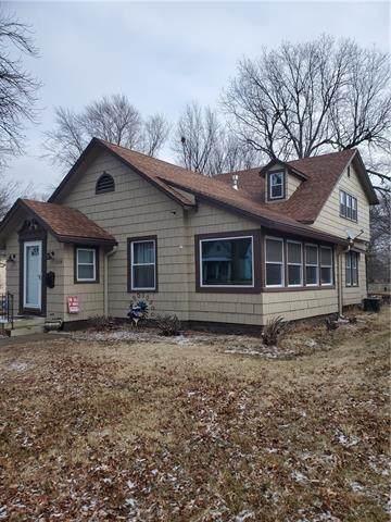 1119 S Cedar Street, Ottawa, KS 66067 (#2302965) :: The Rucker Group
