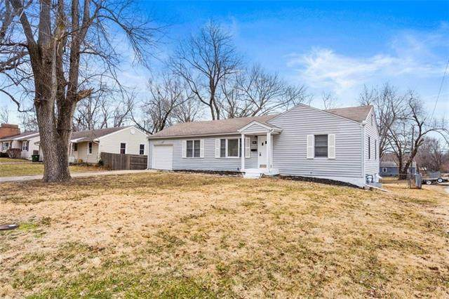 10112 E 68th Terrace, Raytown, MO 64133 (#2303134) :: Edie Waters Network