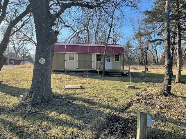 33 Grizzly Drive, Mound City, KS 66056 (#2303188) :: Austin Home Team