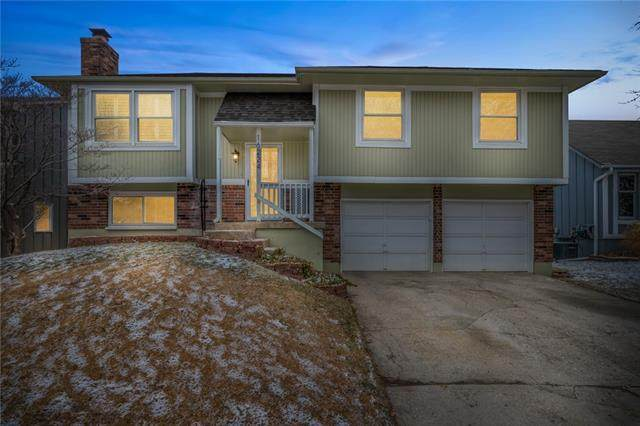 16224 W 125 Terrace, Olathe, KS 66062 (#2303250) :: Ask Cathy Marketing Group, LLC