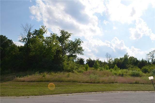 8921 N Crescent Avenue, Kansas City, MO 64157 (#2303283) :: The Rucker Group