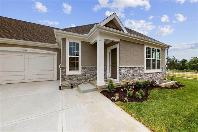 704 E 110th Terrace, Kansas City, MO 64131 (#2303296) :: Eric Craig Real Estate Team