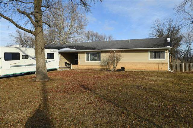 12621 Jackson Avenue, Grandview, MO 64030 (#2303306) :: The Shannon Lyon Group - ReeceNichols