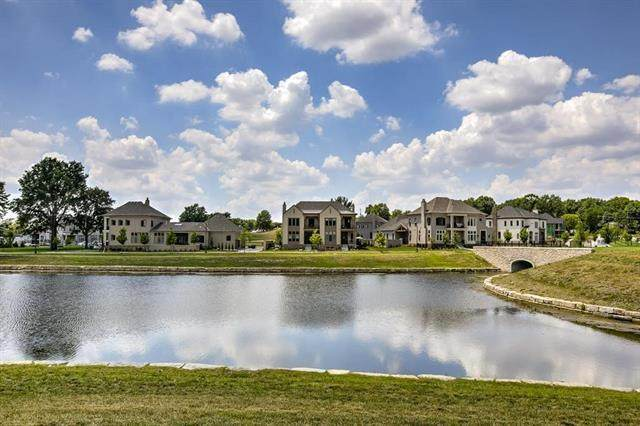 9331 Parkside Drive, Prairie Village, KS 66207 (#2303555) :: Ask Cathy Marketing Group, LLC