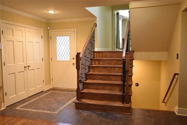 4307 W 112TH Terrace, Leawood, KS 66211 (#2303571) :: Ron Henderson & Associates