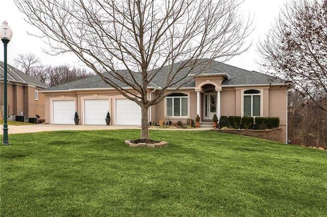 1605 NW Sunridge Drive, Blue Springs, MO 64015 (#2303707) :: Eric Craig Real Estate Team