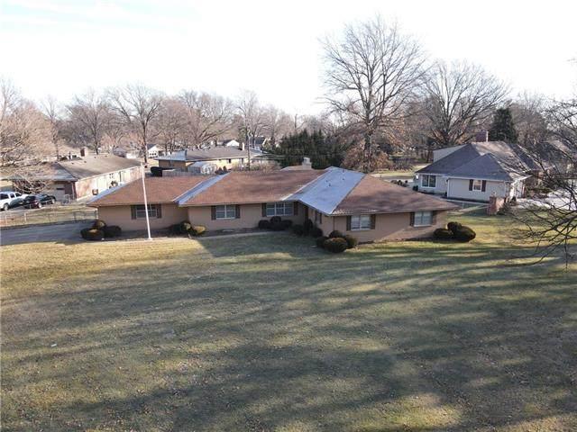 11409 Glen Arbor Terrace, Kansas City, MO 64114 (#2303726) :: Beginnings KC Team