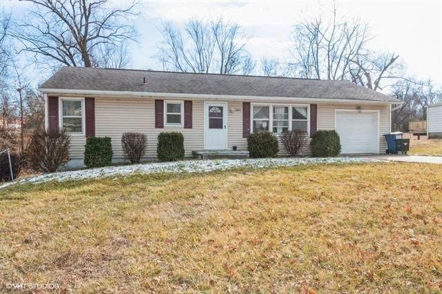 1205 NE 72nd Street, Kansas City, MO 64118 (#2303732) :: Five-Star Homes