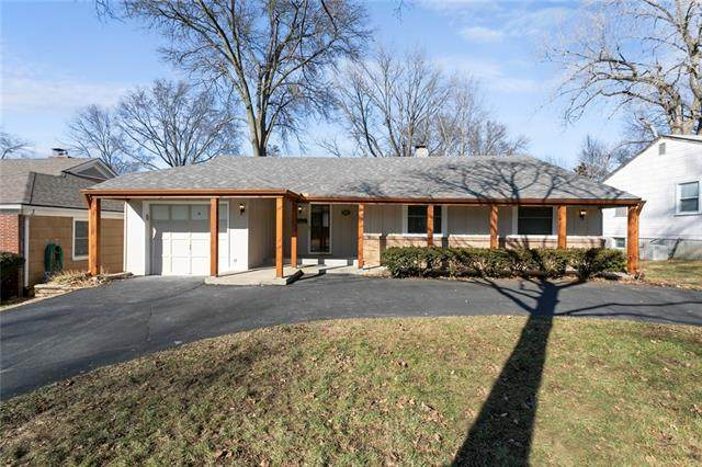 3002 W 49th Place, Westwood, KS 66205 (#2303907) :: Team Real Estate
