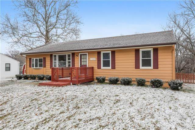 17209 Chula Vista Drive, Belton, MO 64012 (#2304186) :: Ask Cathy Marketing Group, LLC