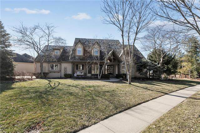 1512 NE Woodland Shores Place, Lee's Summit, MO 64086 (#2304267) :: Team Real Estate