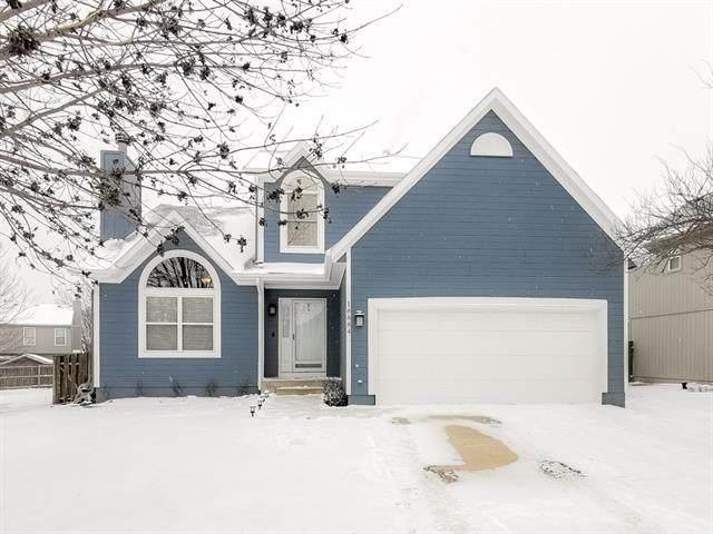 18884 W 160th Terrace, Olathe, KS 66062 (#2304692) :: Eric Craig Real Estate Team
