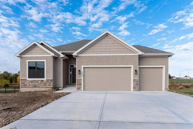 1700 N 163rd Street, Basehor, KS 66007 (#2304791) :: The Rucker Group