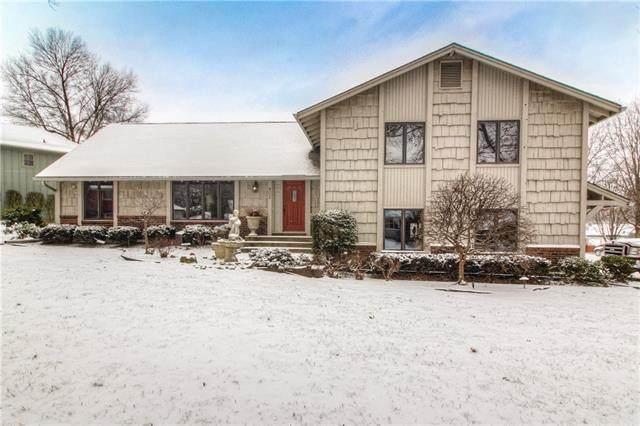 902 Bird Street, Harrisonville, MO 64701 (#2304845) :: Team Real Estate