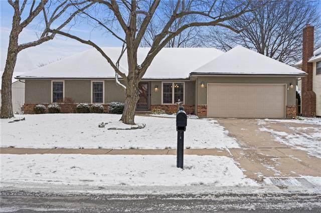 12404 W 74th Terrace, Shawnee, KS 66216 (#2304915) :: Edie Waters Network