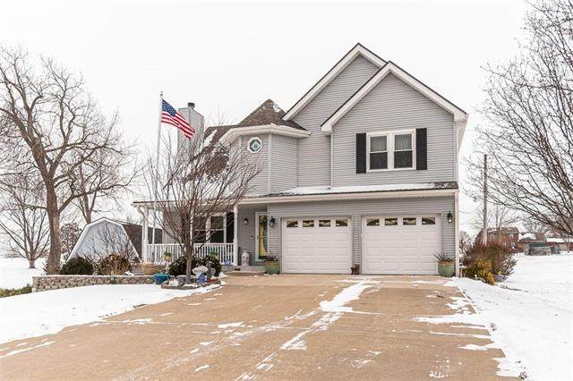 15143 Briarwood Drive, Basehor, KS 66007 (#2305011) :: The Rucker Group