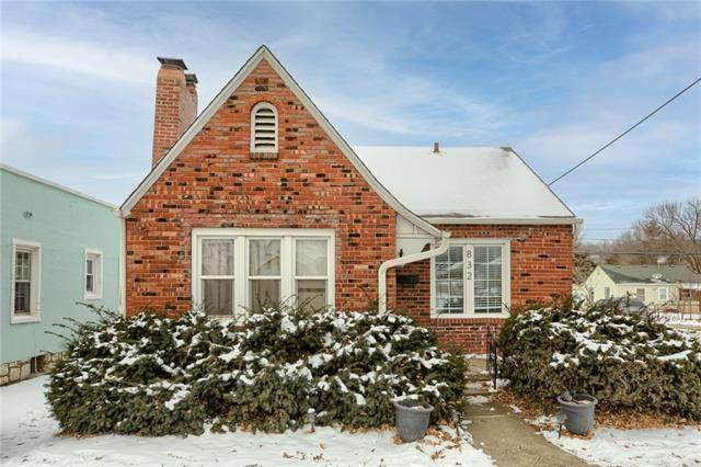 832 E 24th Avenue, North Kansas City, MO 64116 (#2305026) :: Beginnings KC Team