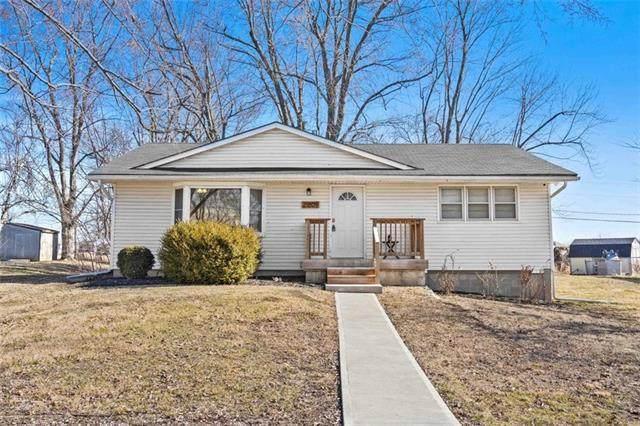 21809 S. Peculiar Drive, Peculiar, MO 64078 (#2305102) :: Five-Star Homes