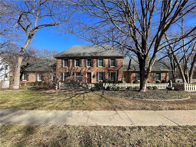 827 Blueberry Lane, Liberty, MO 64068 (#2305130) :: The Rucker Group