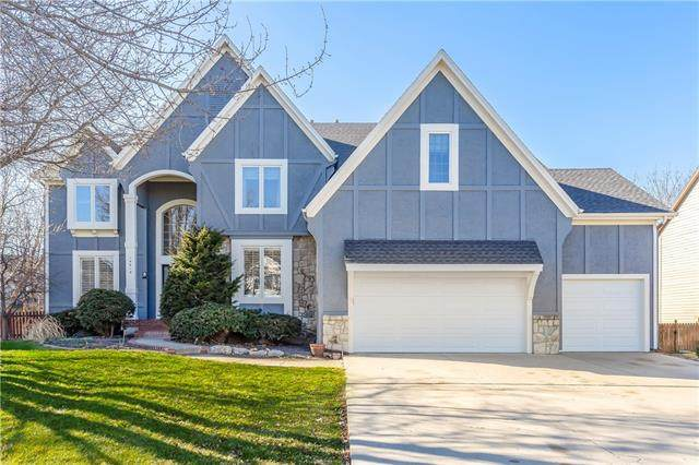 14618 Grandview Street, Overland Park, KS 66221 (#2305246) :: Ask Cathy Marketing Group, LLC